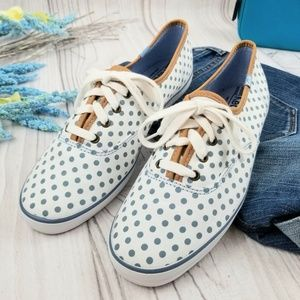 Classic Keds lace-up sneakers, EUC!
